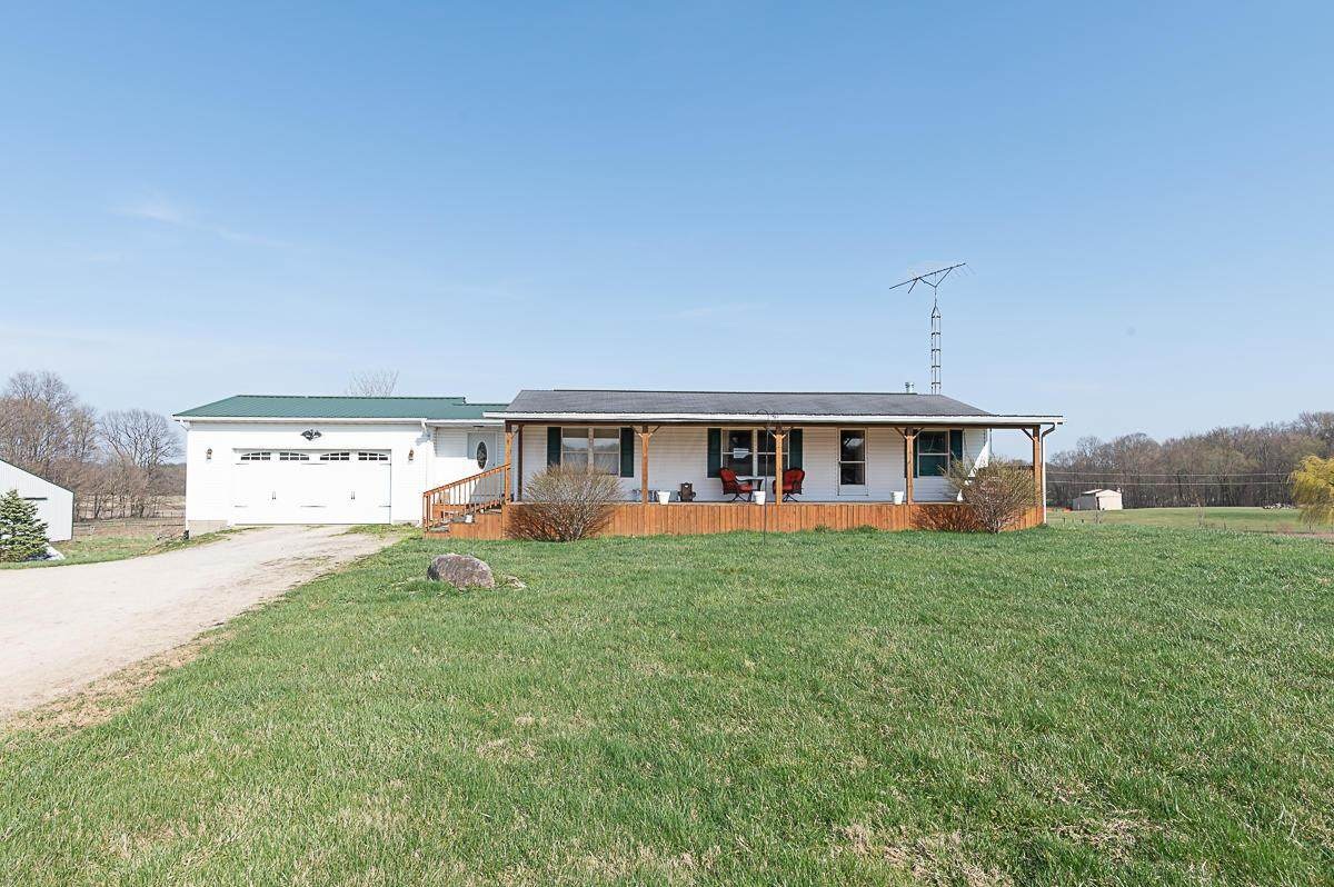 3681 Township Rd 26 - Photo 1