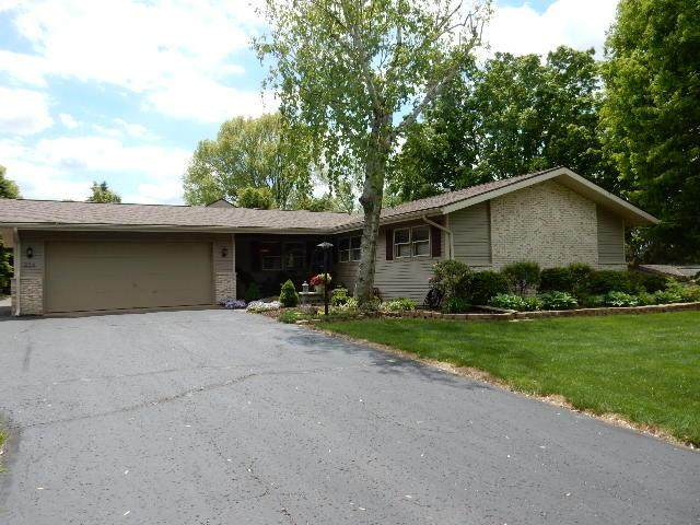 824 Southridge Drive, Mount Vernon, OH 43050 (MLS #221016466) :: Sam Miller Team