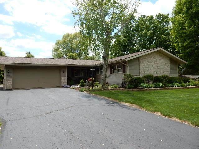 824 Southridge Drive, Mount Vernon, OH 43050 (MLS #221016466) :: Sam Miller Team