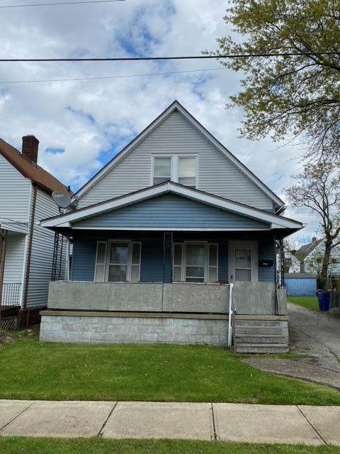 3039 W 104th Street, Cleveland, OH 44111 (MLS #221016511) :: Greg & Desiree Goodrich | Brokered by Exp
