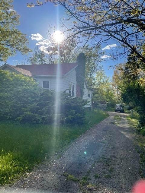 6827 Harrisburg Pike, Orient, OH 43146 (MLS #221016538) :: Berkshire Hathaway HomeServices Crager Tobin Real Estate