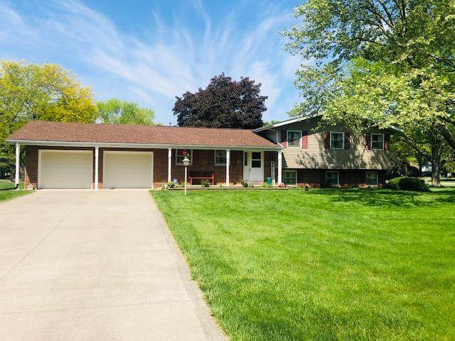2200 Sunnyhill Drive NE, Lancaster, OH 43130 (MLS #221016919) :: The Tobias Real Estate Group