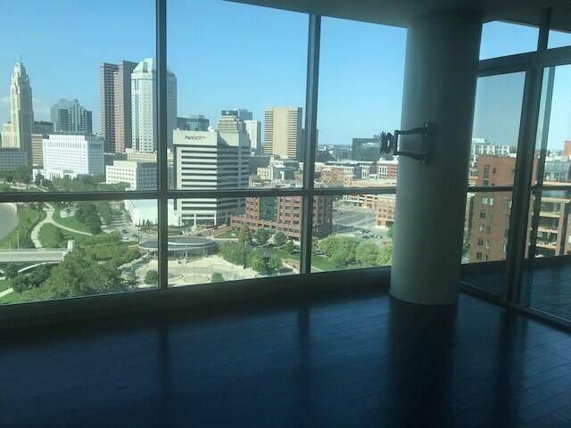 1 Miranova Place #2120, Columbus, OH 43215 (MLS #221021031) :: Jamie Maze Real Estate Group