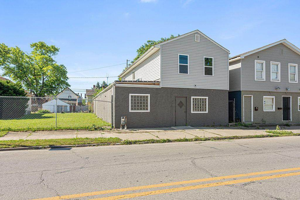 917 Sullivant Avenue - Photo 1