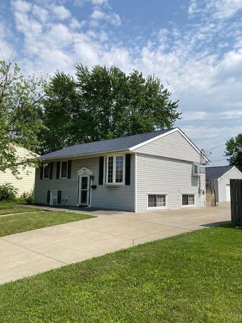 4795 Palmetto Street, Columbus, OH 43228 (MLS #221022010) :: Signature Real Estate
