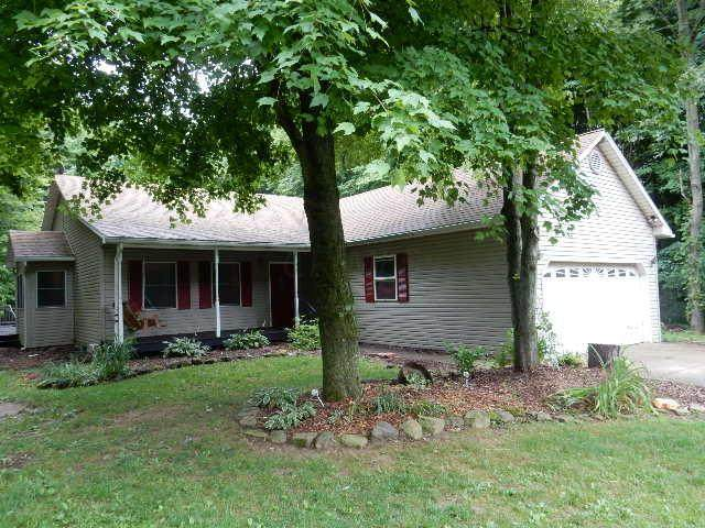 446 Grand Valley Drive, Howard, OH 43028 (MLS #221026872) :: The Raines Group