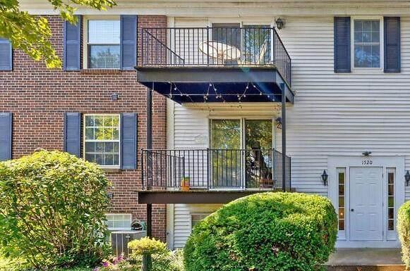 1520 Slade Avenue #204, Columbus, OH 43235 (MLS #221034170) :: Ackermann Team