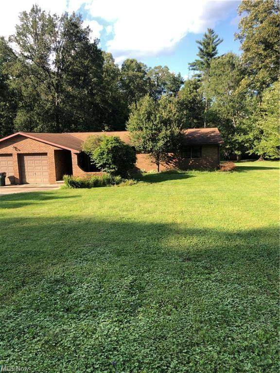 2620 Red Fox, Duncan Falls, OH 43734 (MLS #221035642) :: 3 Degrees Realty