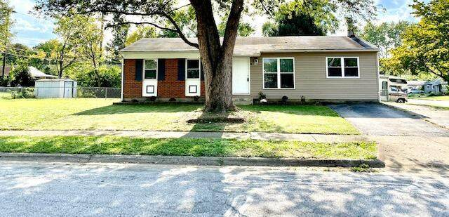 3351 Arnsby Road, Columbus, OH 43232 (MLS #221037111) :: LifePoint Real Estate
