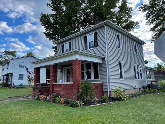 712 Warner Avenue, Logan, OH 43138 (MLS #221038137) :: Signature Real Estate