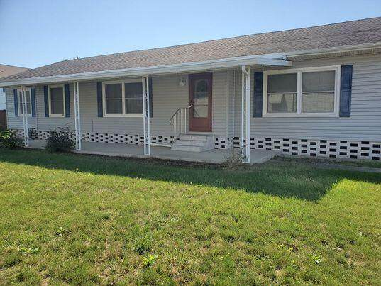 4364 Todd Place, Columbus, OH 43207 (MLS #221038646) :: ERA Real Solutions Realty