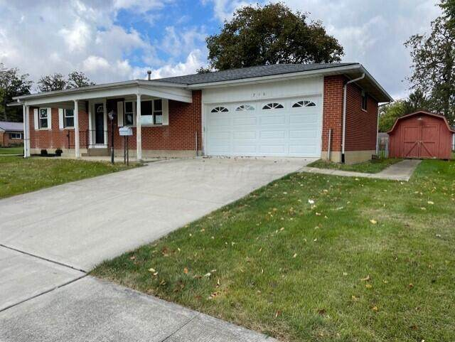 710 Brookdale Drive, West Jefferson, OH 43162 (MLS #221041104) :: Berkshire Hathaway HomeServices Crager Tobin Real Estate