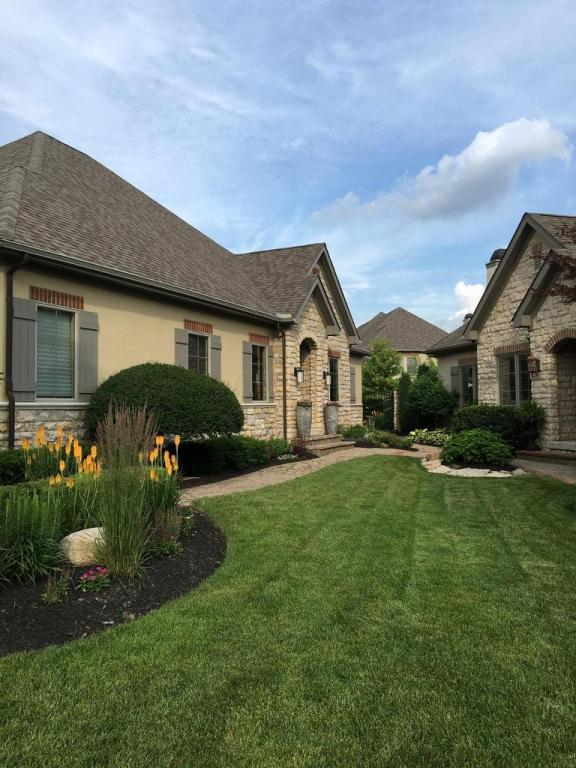 3289 Cleeve Hill, Dublin, OH 43017 (MLS #218000166) :: Signature Real Estate
