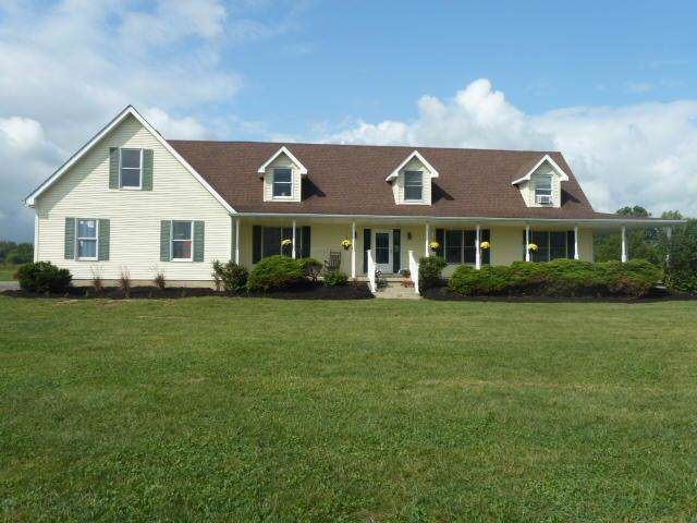 19533 State Route 104, Circleville, OH 43113 (MLS #219034543) :: Shannon Grimm & Partners Team