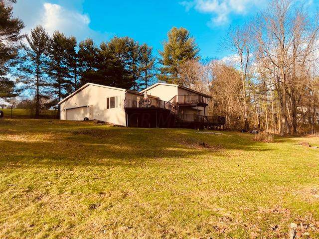 483 Mill Race Road, Granville, OH 43023 (MLS #220041462) :: The Raines Group