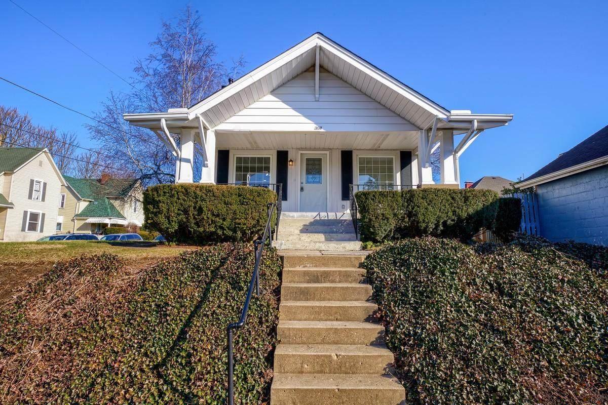 304 Mount Pleasant Avenue - Photo 1