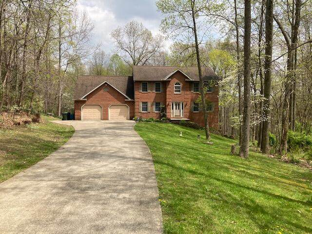 4505 Dockray Drive, Nashport, OH 43830 (MLS #221010054) :: Susanne Casey & Associates