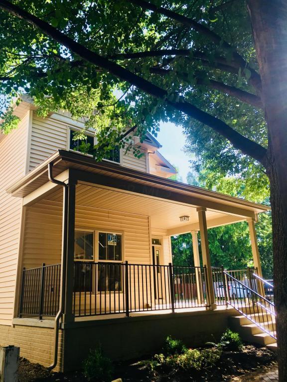 530 E Beck Street, Columbus, OH 43206 (MLS #218021629) :: Susanne Casey & Associates