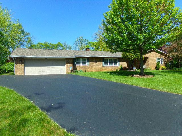 6570 Rolling Hills Place, Grove City, OH 43123 (MLS #219014559) :: Brenner Property Group | Keller Williams Capital Partners