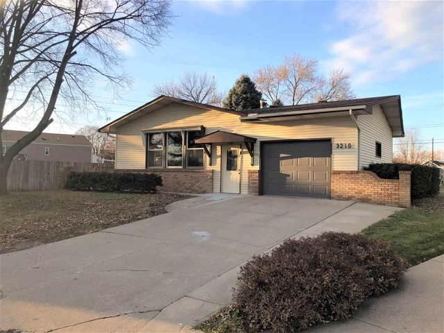 3210 33RD STREET, COLUMBUS, NE 68601 (MLS #1900626) :: Berkshire Hathaway HomeServices Premier Real Estate