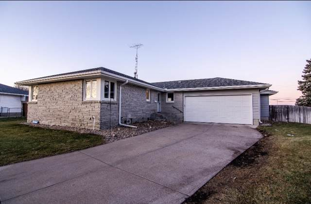 1725 Woodland Drive, COLUMBUS, NE 68601 (MLS #1900641) :: Berkshire Hathaway HomeServices Premier Real Estate
