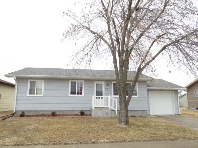 2628 31ST STREET, COLUMBUS, NE 68601 (MLS #1900048) :: Berkshire Hathaway HomeServices Premier Real Estate