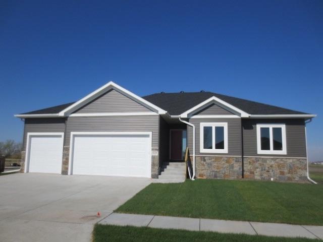 5158 38TH AVENUE, COLUMBUS, NE 68601 (MLS #1900213) :: Berkshire Hathaway HomeServices Premier Real Estate