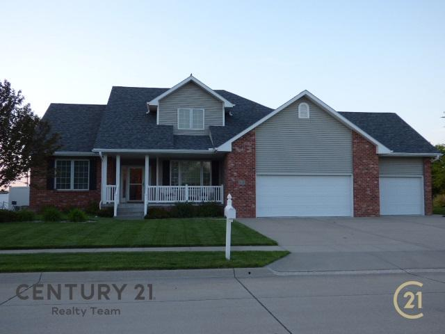 2122 37TH STREET, COLUMBUS, NE 68601 (MLS #1900275) :: Berkshire Hathaway HomeServices Premier Real Estate