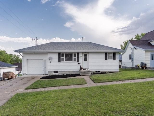 308 E 3RD STREET, LINDSAY, NE 68644 (MLS #1900281) :: Berkshire Hathaway HomeServices Premier Real Estate