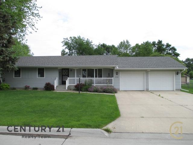 4908 33RD STREET, COLUMBUS, NE 68601 (MLS #1900325) :: Berkshire Hathaway HomeServices Premier Real Estate