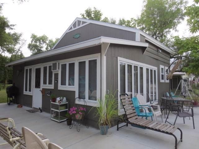 17 E Cedar, COLUMBUS, NE 68601 (MLS #1900479) :: Berkshire Hathaway HomeServices Premier Real Estate