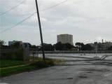916 Waco Street - Photo 3