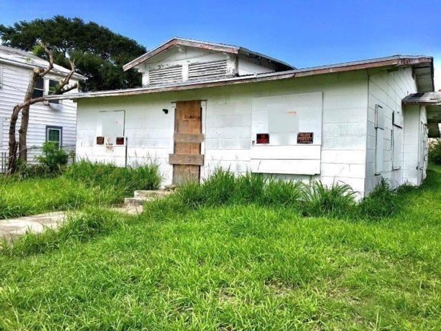 1218 2nd St, Corpus Christi, TX 78404 (MLS #330715) :: Better Homes and Gardens Real Estate Bradfield Properties