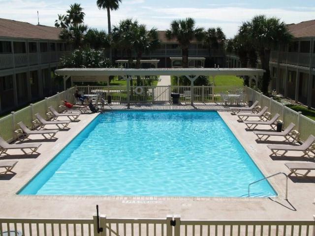 622 Access Road 1-A #207, Port Aransas, TX 78373 (MLS #331611) :: Better Homes and Gardens Real Estate Bradfield Properties