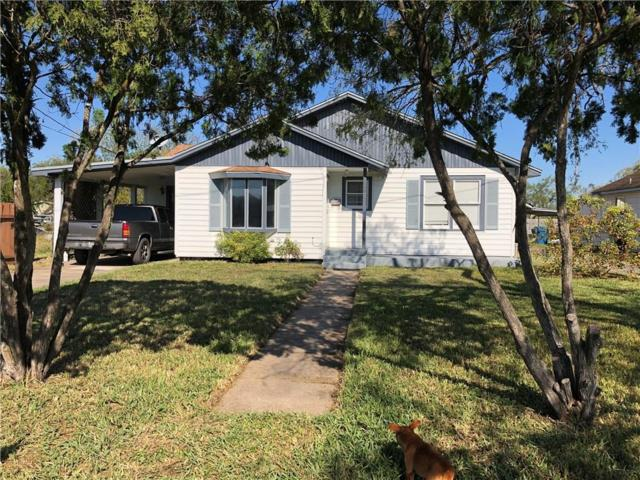 308 W. Fulton St, Sinton, TX 78387 (MLS #337979) :: Better Homes and Gardens Real Estate Bradfield Properties