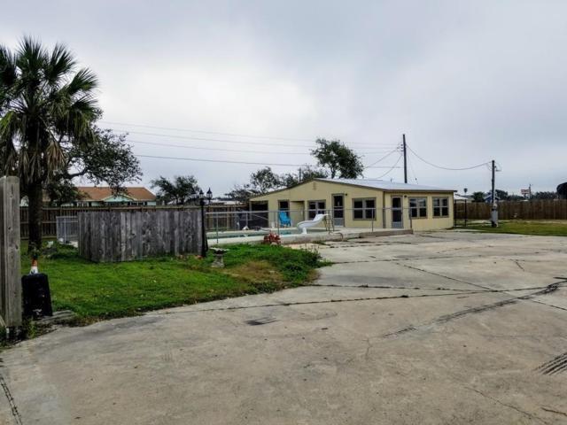 1702 S Doughty St, Rockport, TX 78382 (MLS #339933) :: Desi Laurel & Associates