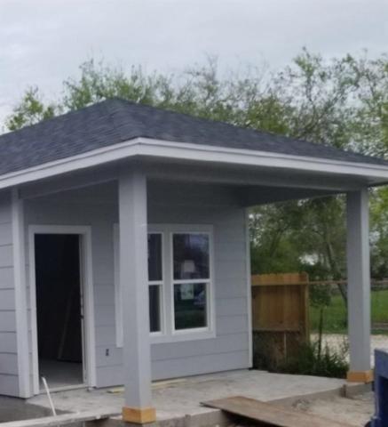 2902 Ruth Ave, Corpus Christi, TX 78405 (MLS #340357) :: Desi Laurel & Associates