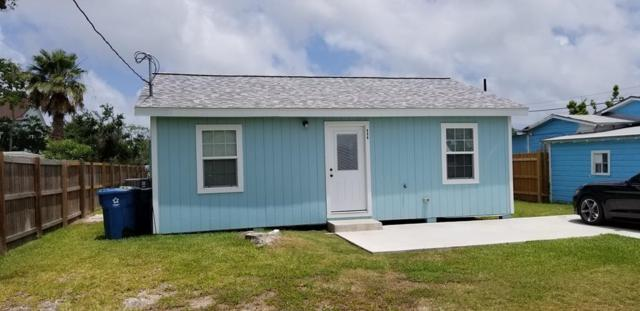806 N Austin St, Rockport, TX 78382 (MLS #341329) :: Desi Laurel Real Estate Group
