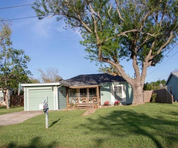 810 N Austin St, Rockport, TX 78382 (MLS #341960) :: Desi Laurel Real Estate Group