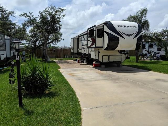 1406 W Corpus Christi St, Rockport, TX 78382 (MLS #347098) :: Desi Laurel Real Estate Group