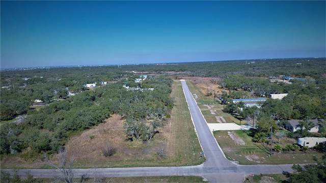 807 Traylor Avenue, Rockport, TX 78382 (MLS #357183) :: RE/MAX Elite Corpus Christi