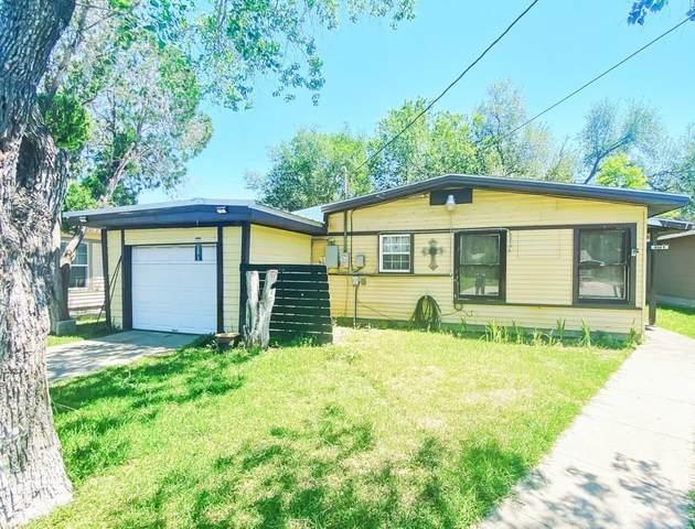 906 E Huntington Street, Beeville, TX 78102 (MLS #364612) :: KM Premier Real Estate