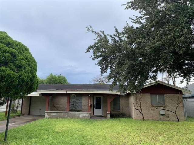 2202 E Lott Avenue, Kingsville, TX 78363 (MLS #386238) :: KM Premier Real Estate