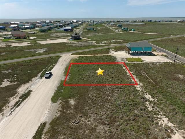 619 West Castle Oak Ln, Rockport, TX 78382 (MLS #388788) :: KM Premier Real Estate