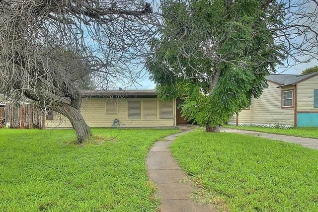 729 Westchester Drive, Corpus Christi, TX 78408 (MLS #389456) :: KM Premier Real Estate