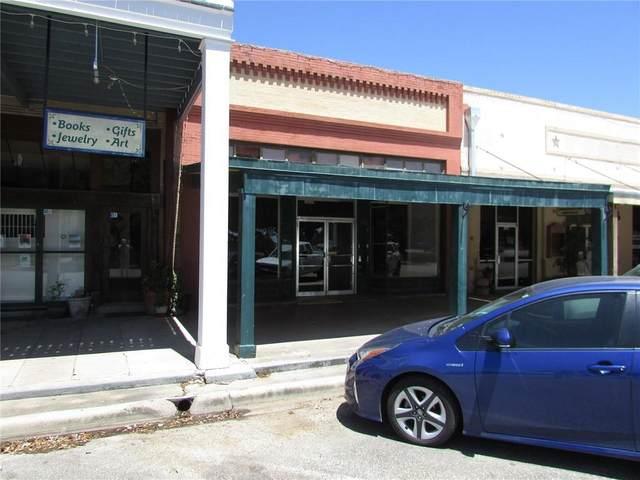136 N Courthouse, Goliad, TX 77963 (MLS #381147) :: KM Premier Real Estate