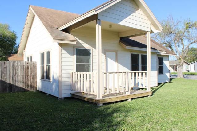 521 E Merriman St, Sinton, TX 78387 (MLS #340196) :: Desi Laurel & Associates