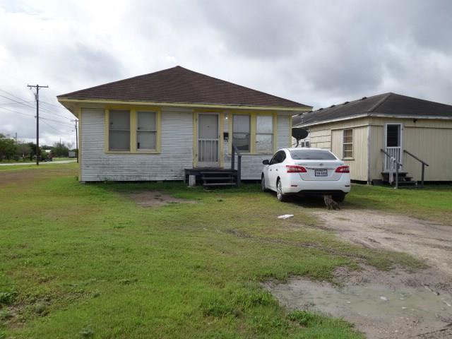 408 N Live Oak, Mathis, TX 78368 (MLS #301450) :: RE/MAX Elite Corpus Christi