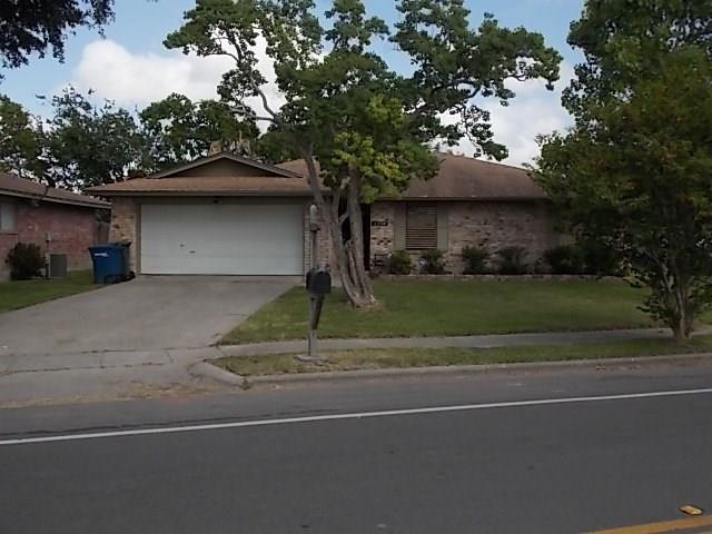 4338 Woodland Creek Dr, Corpus Christi, TX 78410 (MLS #313286) :: Better Homes and Gardens Real Estate Bradfield Properties