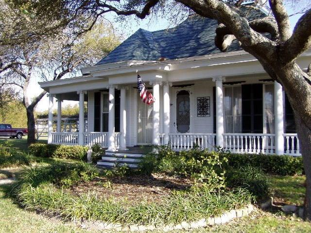 1322 E Sabinal St, Rockport, TX 78382 (MLS #313471) :: Better Homes and Gardens Real Estate Bradfield Properties